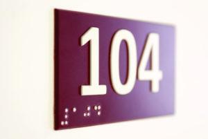 plaque de porte braille numéro relief