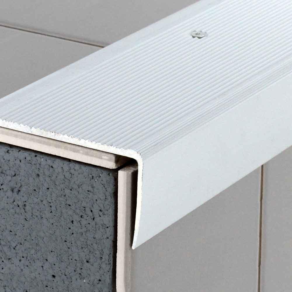 Profil aluminium avec axe déporté Direct Signaletique
